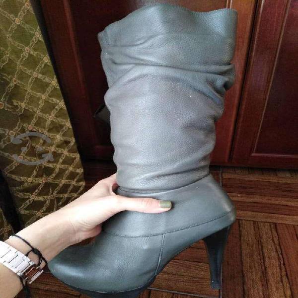 Botas de piel 25.5