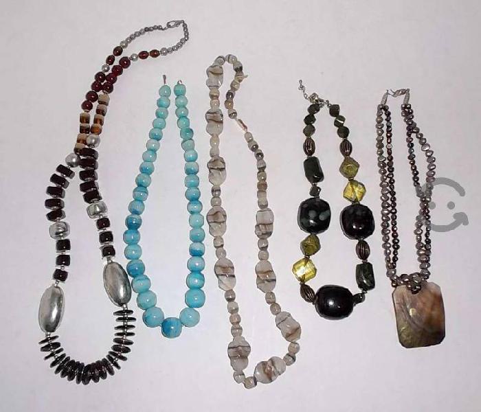 Lote de 5 collares vintage de varias piedras 70s
