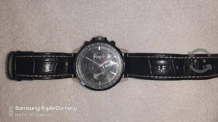 Reloj DKNY seminuevo