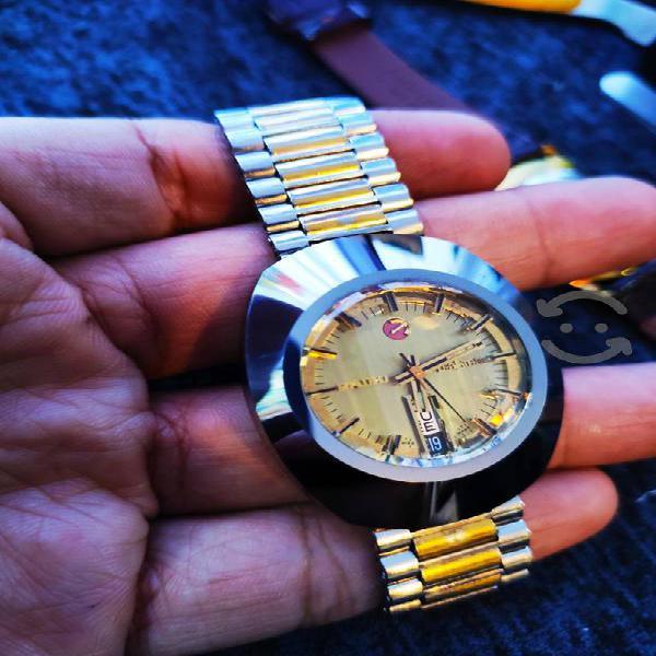 Reloj RADO Diastar dorado, automático.