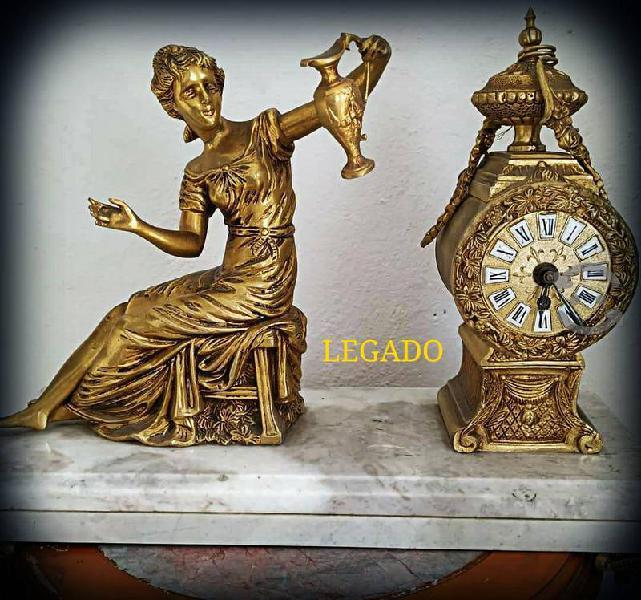 Reloj bronce representación Afrodita