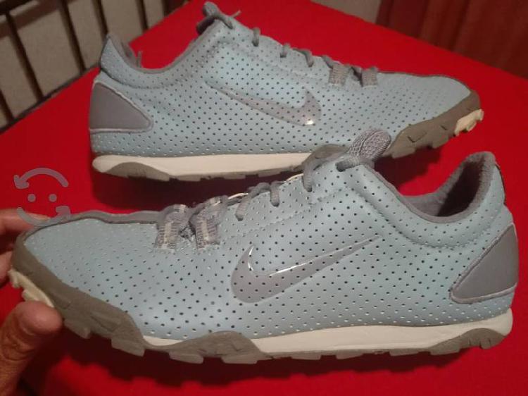 Tenis Nike Running, talla 27, retro