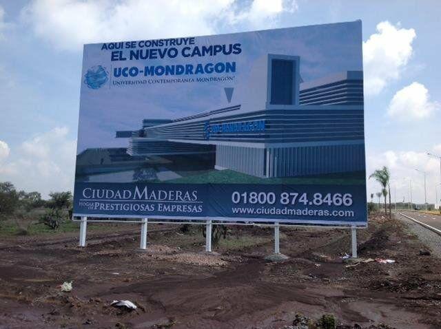 Terreno Comercial en Venta en Ciudad Maderas