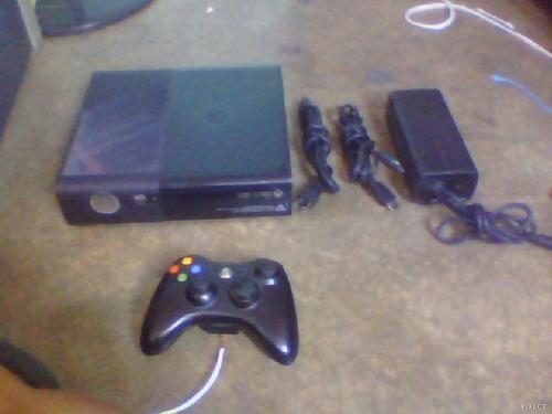 X Box 360 Super Slim E Un Control Dos Juegos Cables Y Hdmi