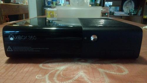 Xbox 360 De 4gb En Excelentes Condiciones