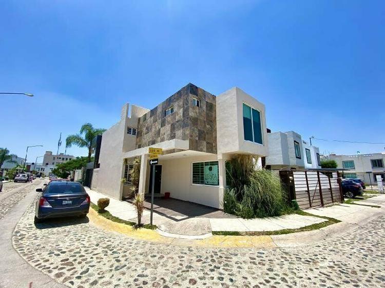 Casa en Venta en JARDINES DE LOS REYES