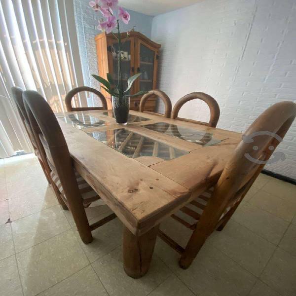 Comedor rústico   Juego de mesa y vitrina