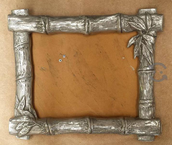 Marco de pewter 30 cm. x 30 cm. porta retrato
