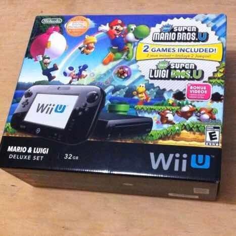 Nintendo Wii U Mario & Luigi Deluxe Set 32 Gb