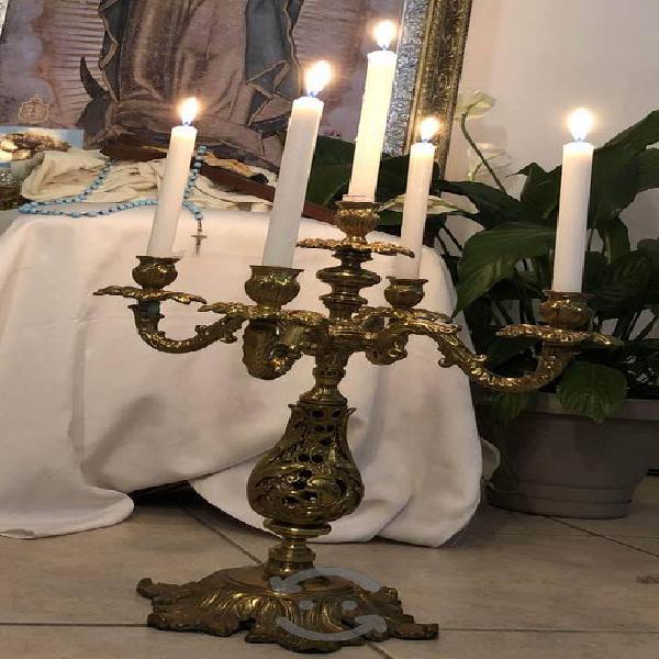 Par de candelabros de bronce 5 velas