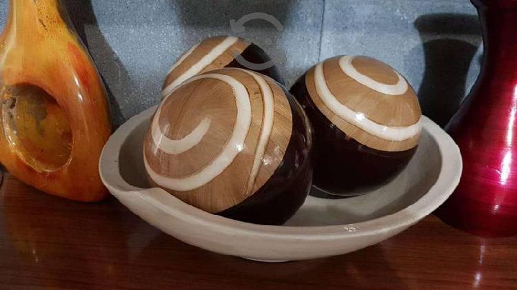 Platón con esferas de barro