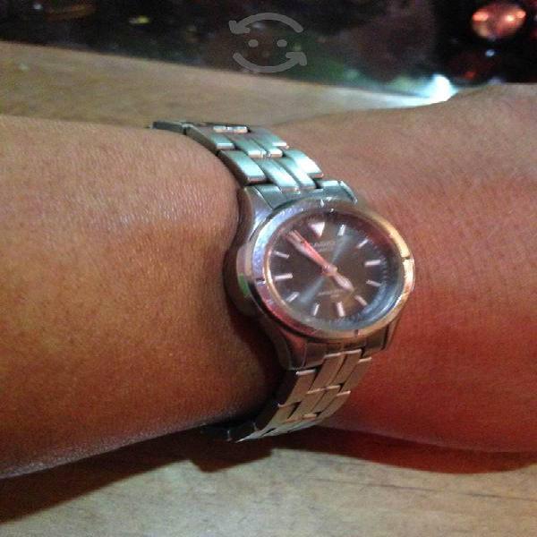 Reloj Casio de Acero muy bello modelo