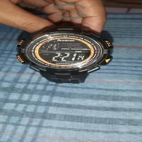Reloj Original buen trato funciona todo