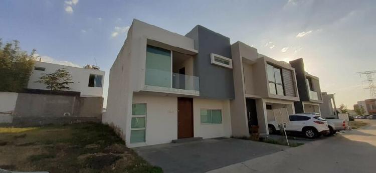 Casa en Renta en Valle Imperial en Zapopan