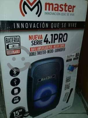 """Bocina Amplificada Nueva de 15"""" Marca Master"""