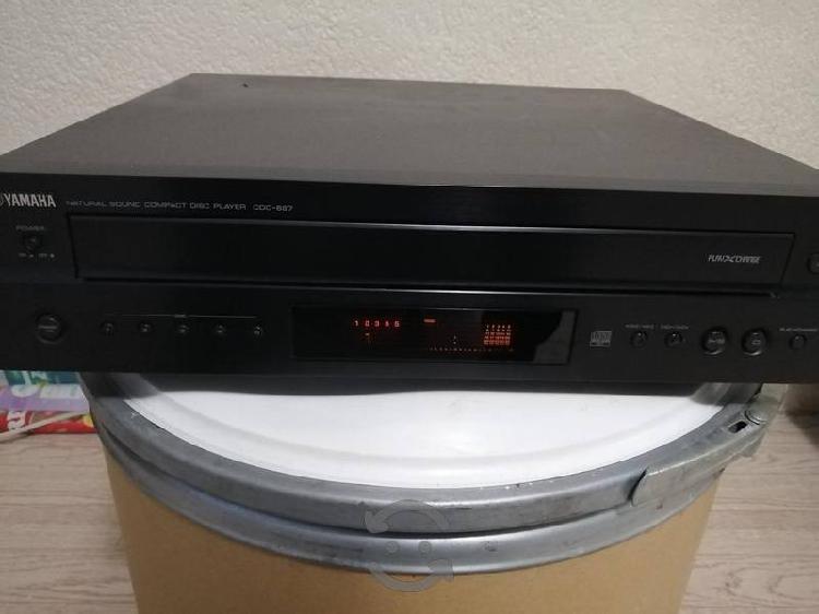 CD Player Yamaha CDC-697