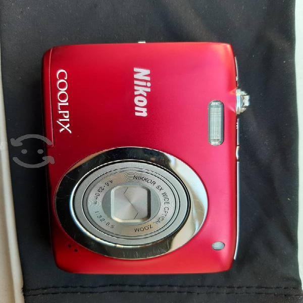 Cámara Nikon Coolpix S2600
