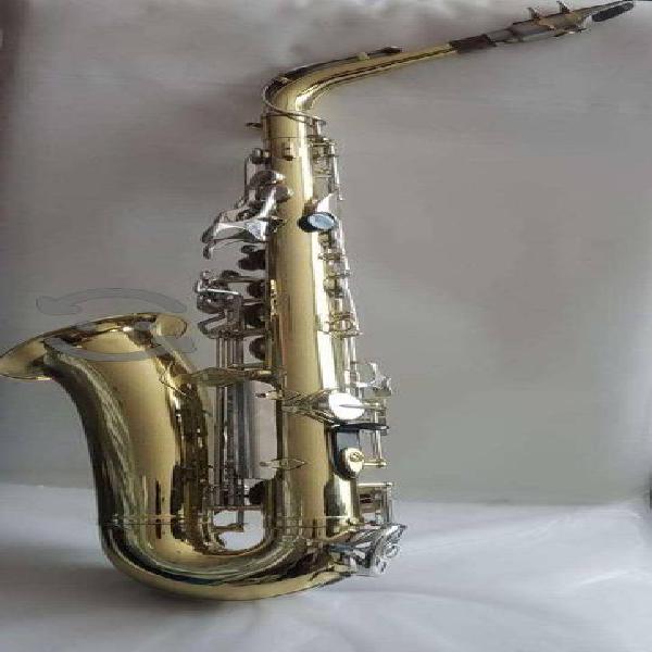 Saxofón Yamaha Alto modelo YAS-23