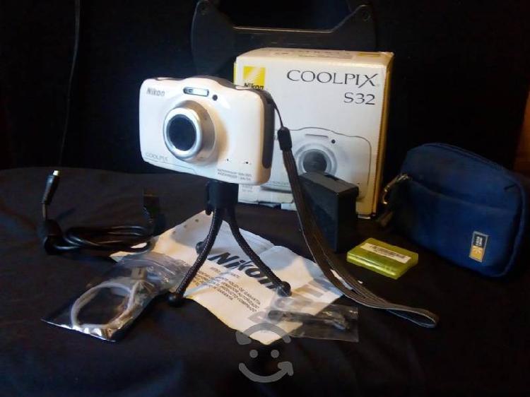 camara digital Nikon COOLPIX S32