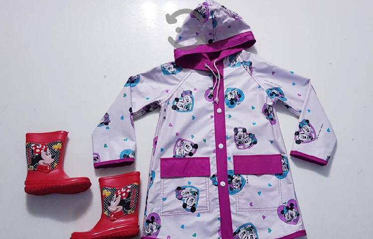 Botas para lluvia e impermeable Minnie Mouse