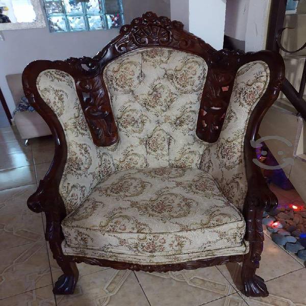 En venta preciosa sala modelo Luis XV seminueva
