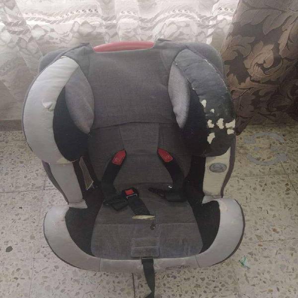 Sillita de bebé para auto