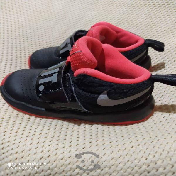 Tenis Nike 12 cm para niño usados