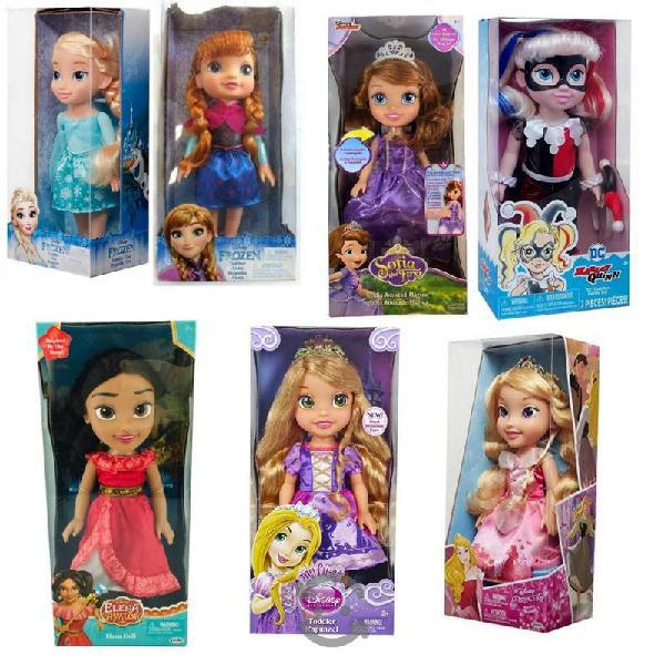 Variedad de juguetes para niños y niñas