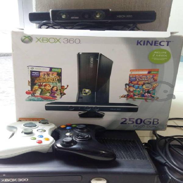 XBOX 360 Slim 250GB con Kinect color Negro
