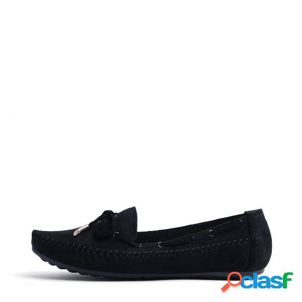 Zapatos planos negros con cordones de punta redonda