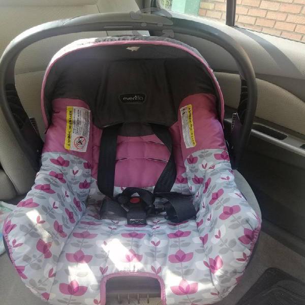 porta bebé con base para carro!