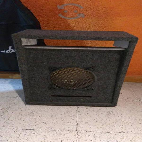 Cajón para bocina de 8 pulg con filtro acustico