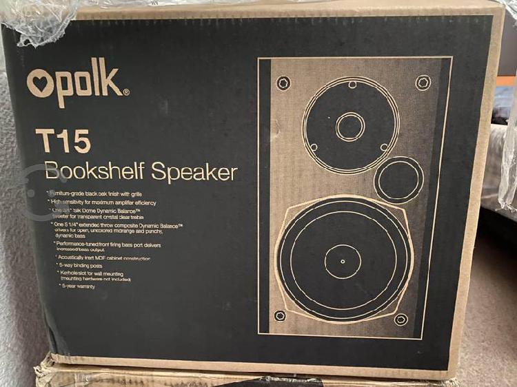 Magníficas bocinas Polk Audio T15 nuevas en caja!