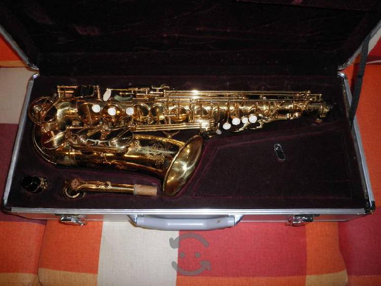 Saxofon alto SUZUKI
