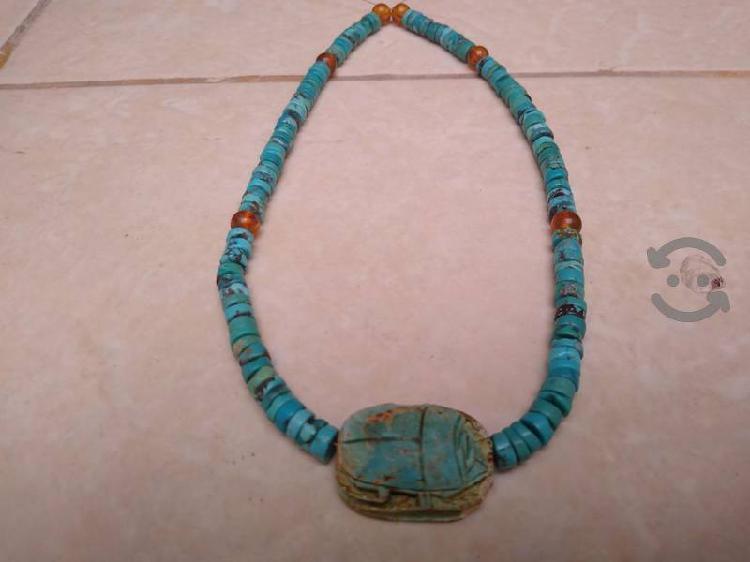 turquesa y ámbar con escarabajo Egipcio