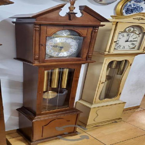 Activo reloj de la abuela RIDGEWAY