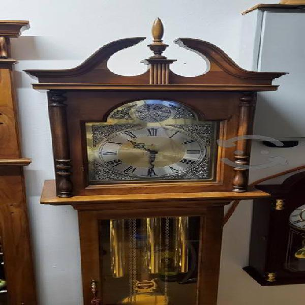 Antiguo reloj de la abuela HOWARD MILLER