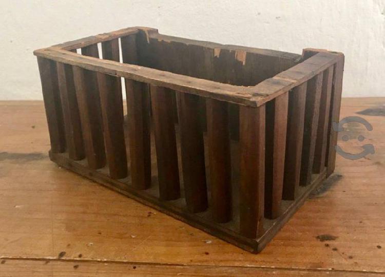 Caja Rústica de Madera con Barrotes | Contenedores