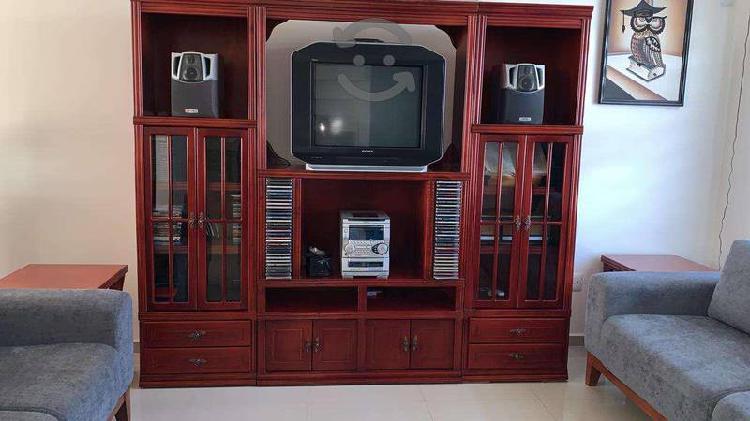 Mueble Para TV de Madera - 3 piezas en buen estado