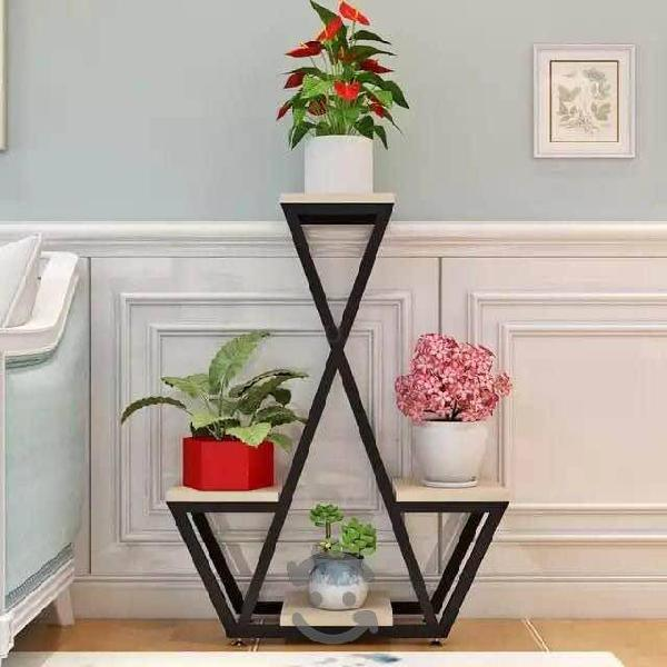 Mueble para plantas de interior en metal y madera