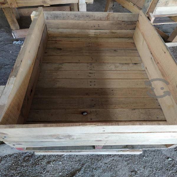 bancal de madera para siembra