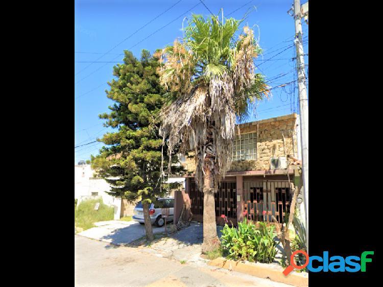 Casa en Venta - Portal de Cumbres, Monterrey, N.L.
