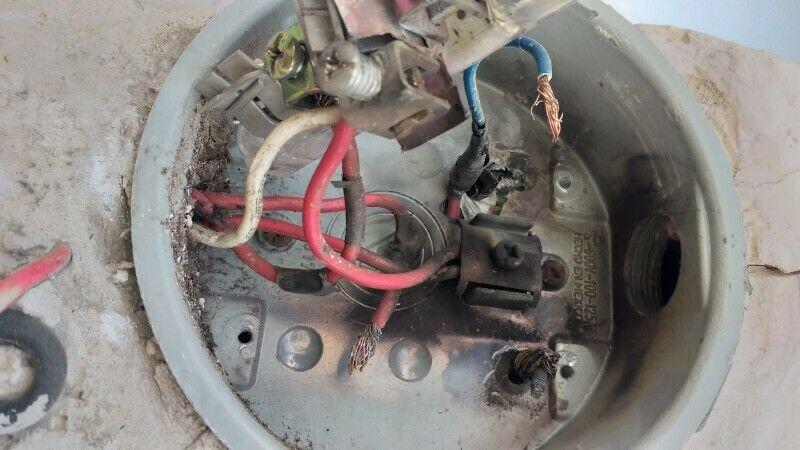 Reparación y instalación de electricidad 120 y 220 las 24