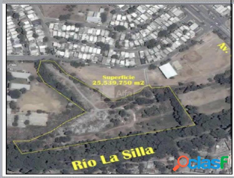 Terreno comercial en venta en La Joya INFONAVIT 3er. Sector,