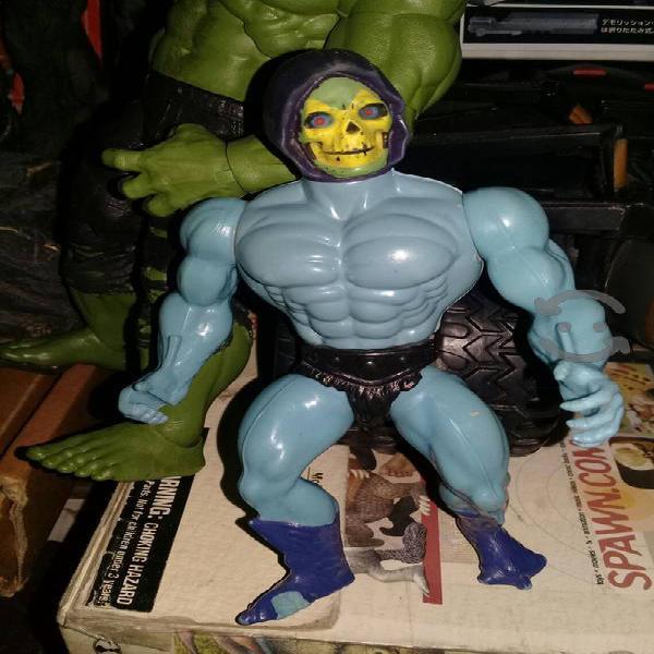 Figura de Skeletor de los amos del universo He Man