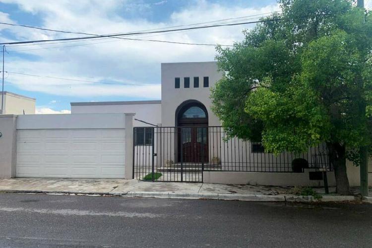RCR466294 Excelente casa en renta en Valle Real