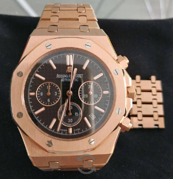 Hermoso reloj audemars modelo oak color dorado