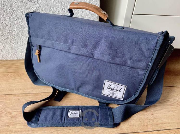 Maletín mochila para laptop Herschel