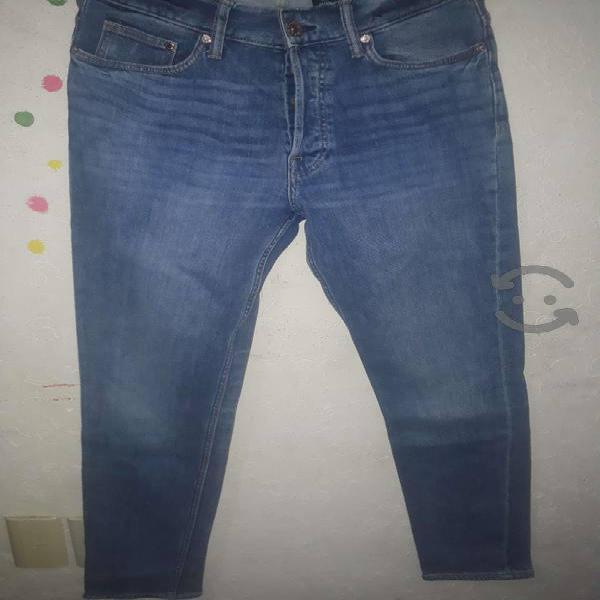 Pantalon seminuevo H&M