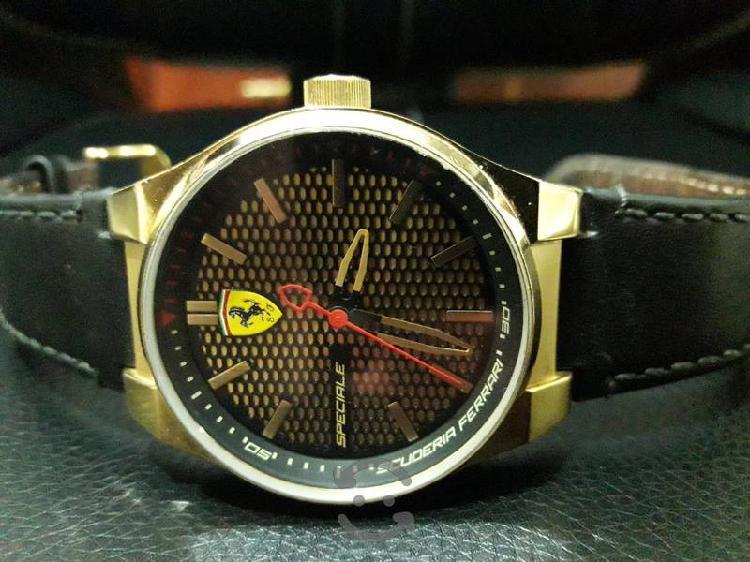 Reloj Escudería Ferrari Genuino Chapa Oro 14k